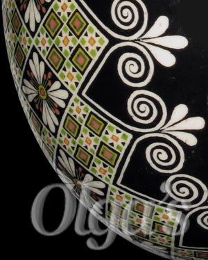 Ukrainian Easter Eggs. Ostrich pysanky art. Easter Lily egg.